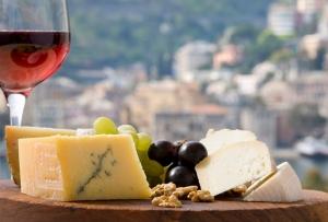 גבינה ויין