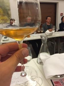 צבע ענברי של יין מתיישן